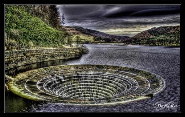 Ladybower Reservoir by woodyp