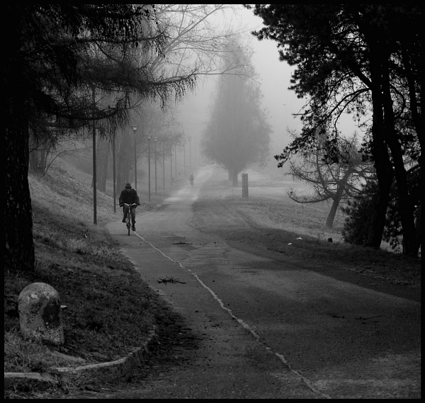 Cyclists by nonur