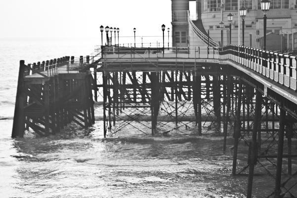 Worthing pier by mrpjspencer