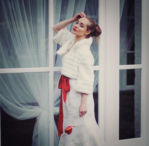 Bridal portrait by lisalobanova