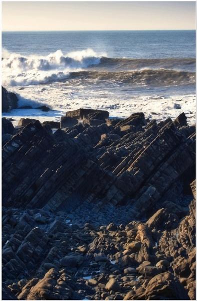 Crashing Waves by marktc