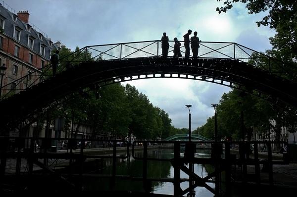 Canal St Martin by Dubhthaigh
