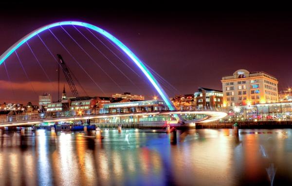 Gateshead Millenium Bridge by Anth27