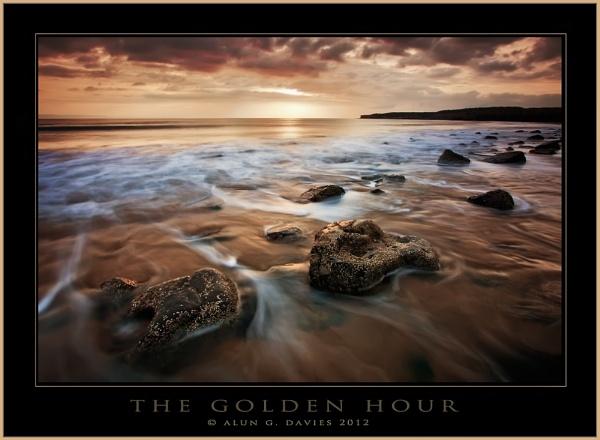 The Golden Hour by Tynnwrlluniau