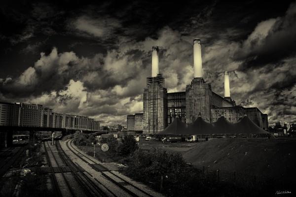 Battersea Power Station by neilrwalker