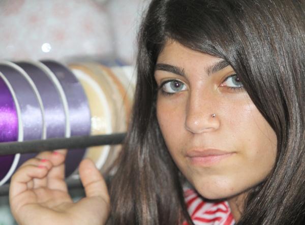 Teenager girl by sigalpetersen