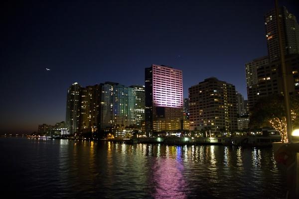 Miami by night by PieterDePauw