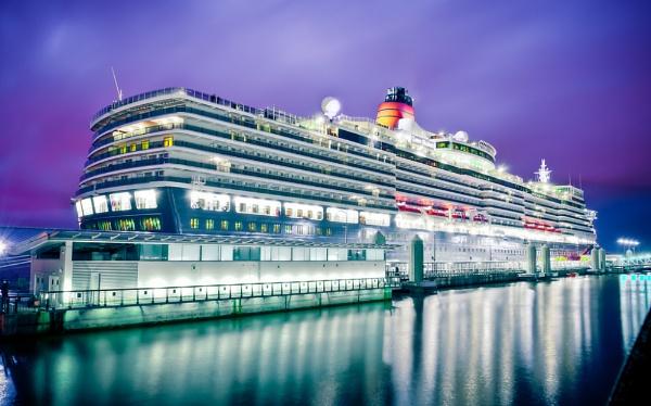 Cunard Queen Elizabeth by JamesFarley