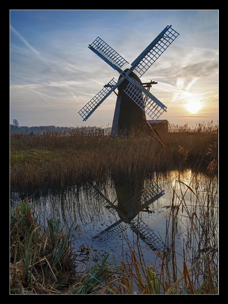 Herringfleet Smock Mill by Martin54