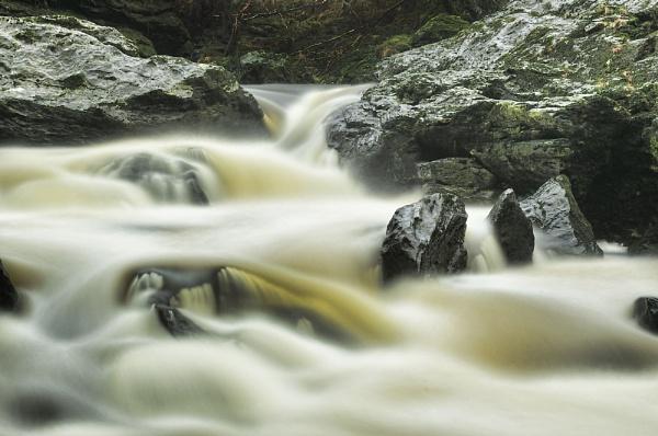 Falls of Falloch by dougie_n