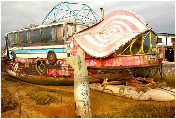 Houseboat? by paddyman