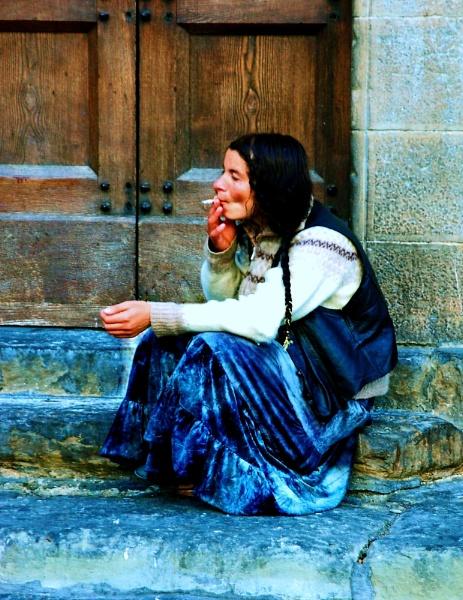 cigarette break in Florence by Bibeault
