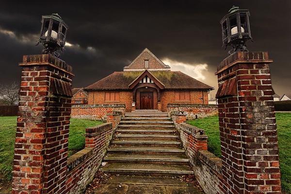 Moody Manor by HouseMartin