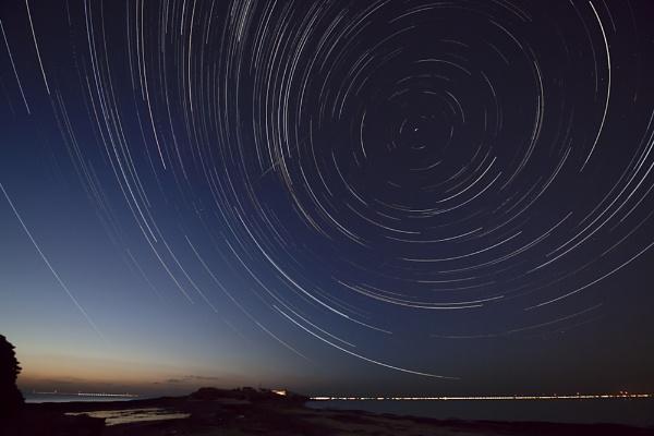 Star Trails by ron thomas