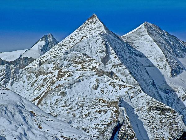 Mountain by dhandjh