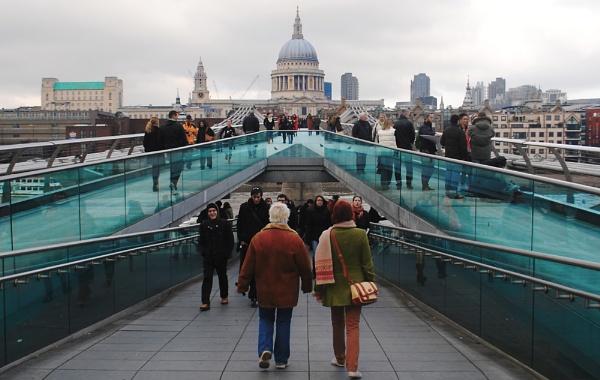 Millennium Bridge by danvan