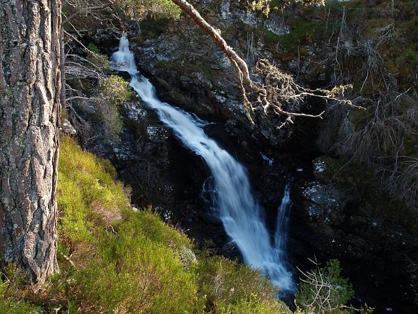 Corrimony Falls by iainmacd