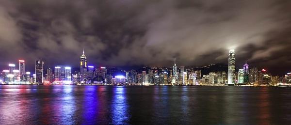 Victoria Harbour, Hong Kong by DanG