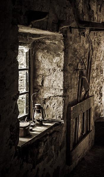 Bygone Barn by thatmanbrian