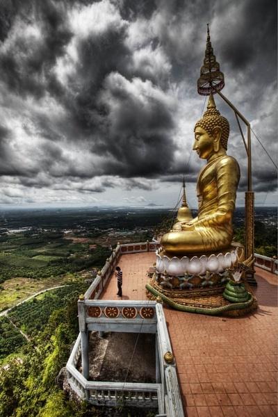 Tiger Temple, Krabi by DanG