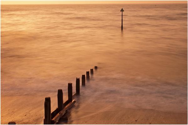 Teignmouth Beach II by marktc