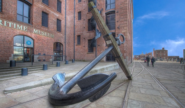 Anchor at the Albert Dock by toewrag