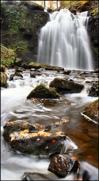 Lynn Falls by ScottRobertson