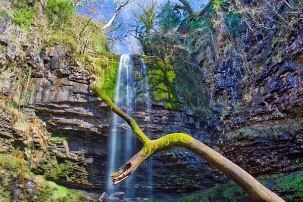 Henrhyd Falls by jcamper