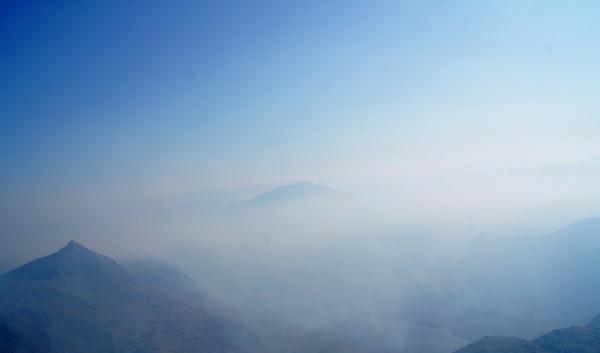 Snowdonia clouds by alianar
