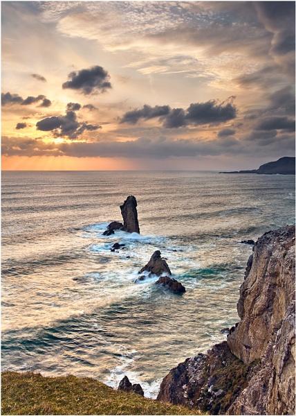 Rocks In The Ocean by Porthos