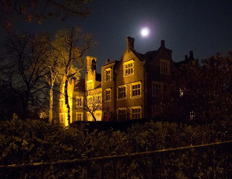 Manor house moon
