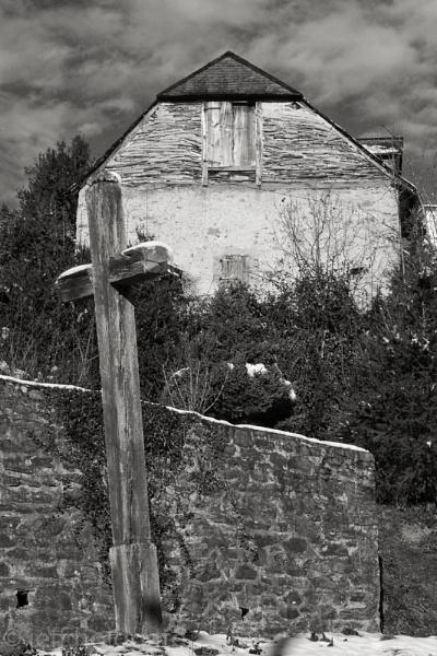 Barn II by Escaladieu