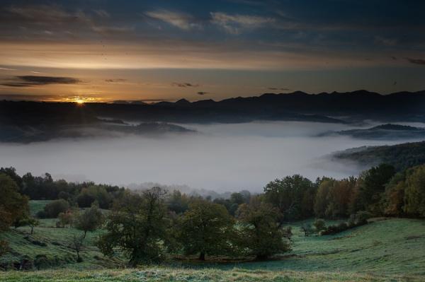 Gascon sunrise V by Escaladieu