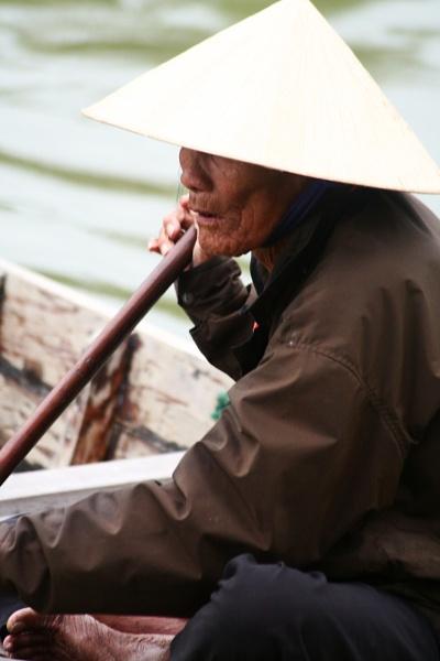 Hoi An Boat Lady by cariaddxb