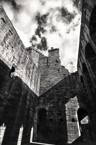 Linlithgow Castle, Scotland by M_andrea