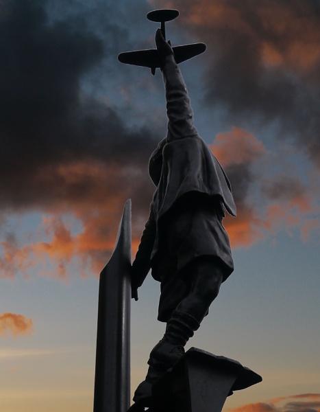 Blitz Memorial at sunset by Artgecko