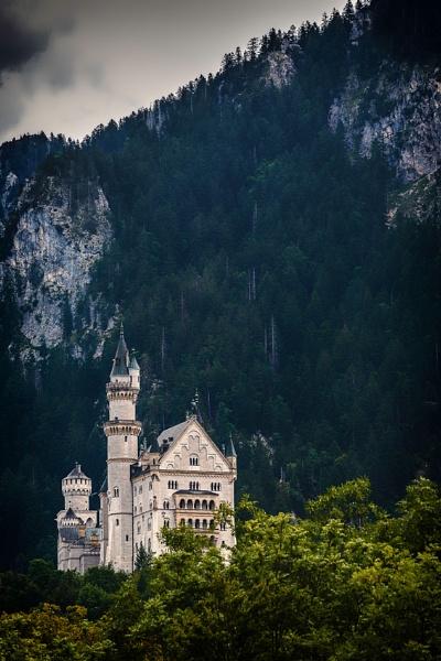 Schloss Neuschwanstein by JGCurry