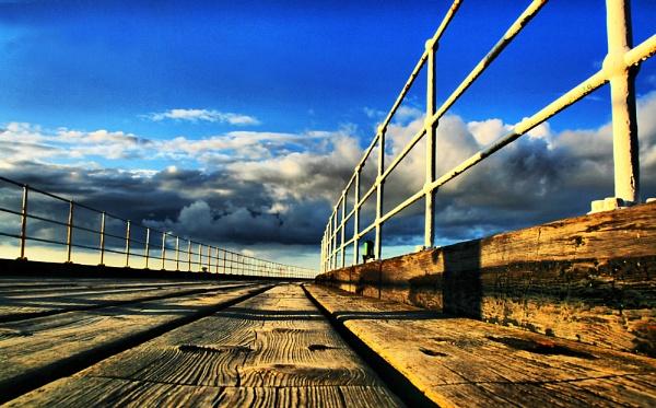 Whitby pier by jokinarnya