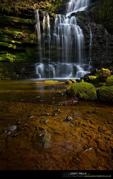 Light Falls ... by sut68