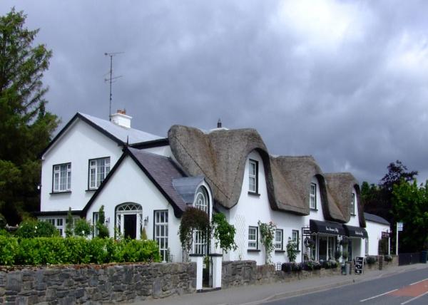 Cottage by canonfan