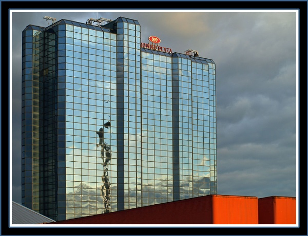 Reflections on CrownePlaza, Glasgow by fificat100