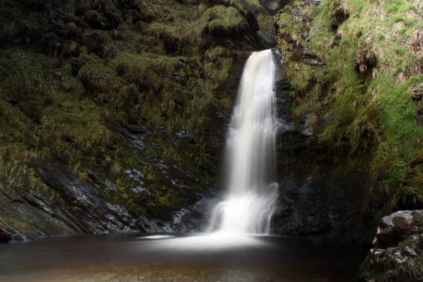 Pistyll Rhaeadr - Base of the waterfall by lostnspace2011