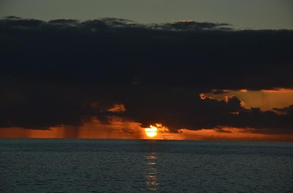St Lucia Sun Set by hippysnapper