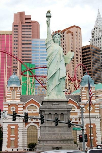 Las Vegas Statue Of Liberty by bronwen1997