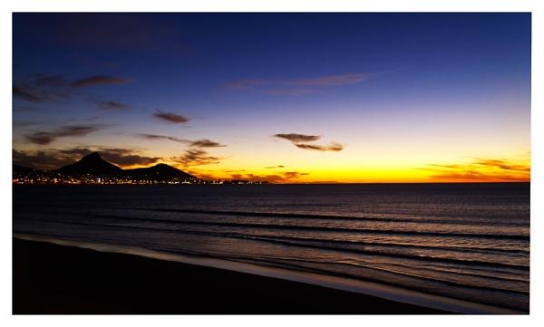 Sunset @ Lagoon Beach by devlin