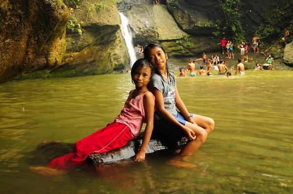 Makalang Falls Philippines by walk8