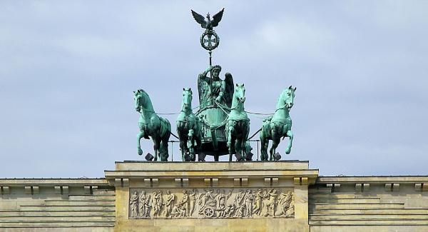 Brandenburg Gate berlin by danmclean