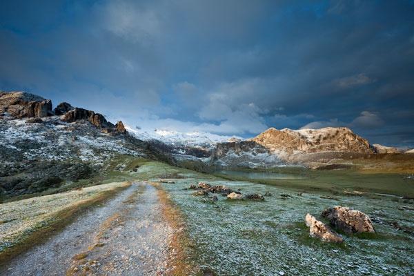 Lago Ercina by Slawek_Staszczuk