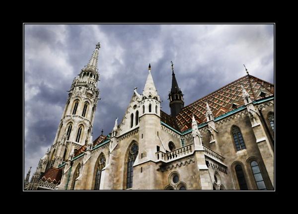 St Matthias Budapest by tonypic