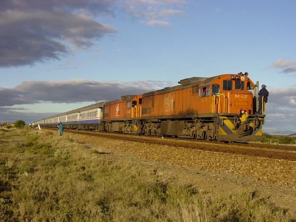 Bushveld Train Safari by lollipop_lass